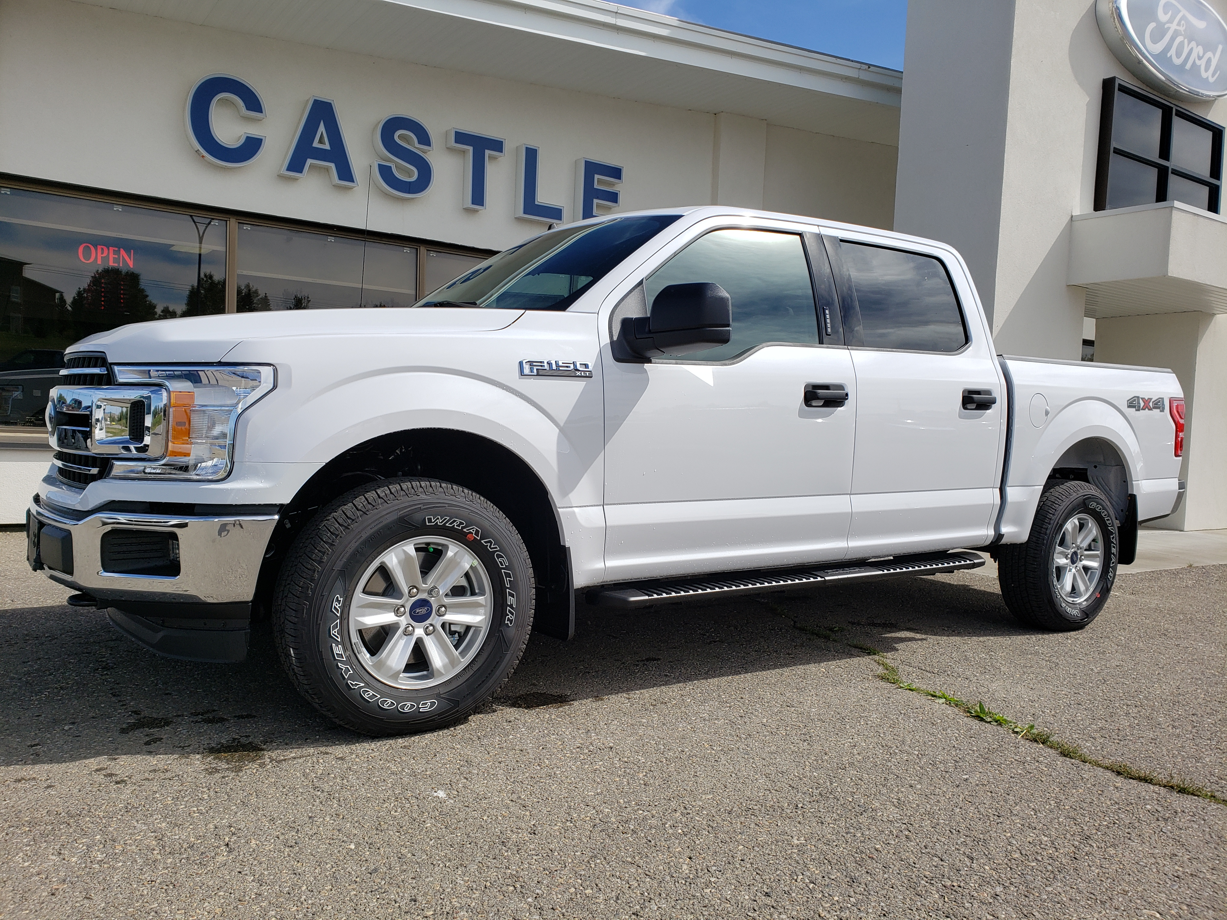 New Ford Vehicle for Sale in Pincher Creek | Castle Ford