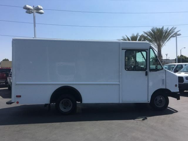 2007 Ford Econoline Commercial Chassis E350 w/ Utilimaster 12 Body