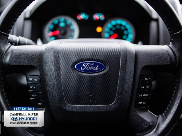 2011 Ford Escape XLT  Easy on the Pocket Book!
