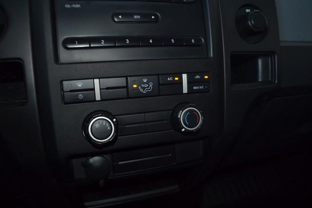 2013 Ford F-150 2WD Reg Cab 126 STX