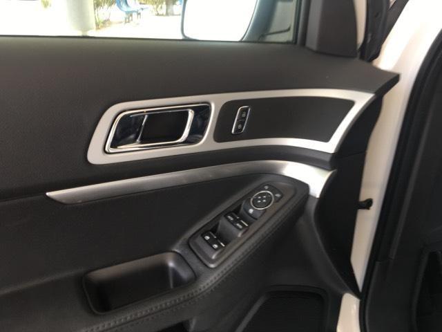 2015 Ford Explorer XT w/Navigation