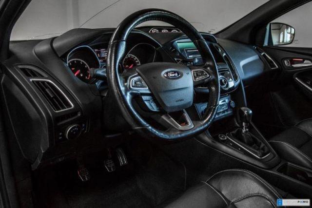 2015 Ford Focus ST de base