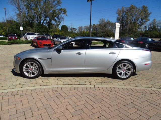 certified 2015 jaguar xj for sale in lake bluff il. Black Bedroom Furniture Sets. Home Design Ideas