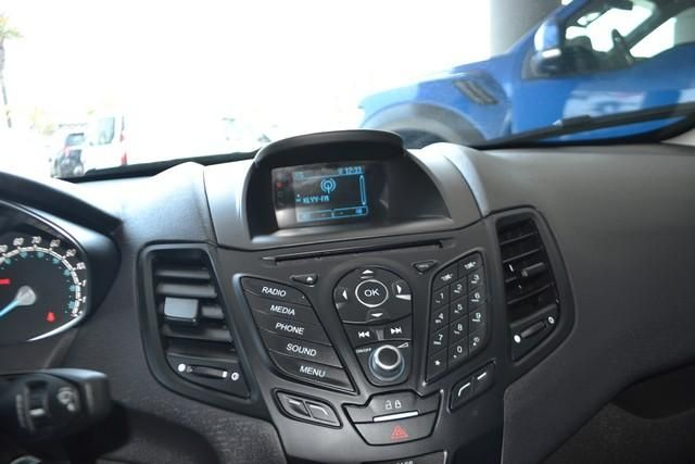 2016 Ford Fiesta 4dr Sdn SE
