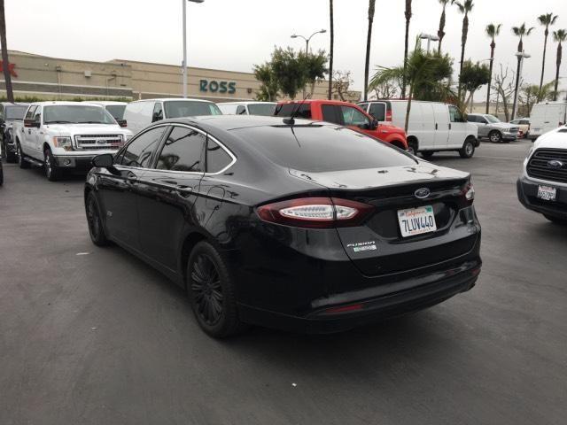 2016 Ford Fusion Energi SE ***CARPOOL STICKERS***