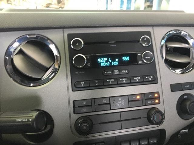2016 Ford Super Duty F-350 DRW 4WD Crew Cab 172 XLT