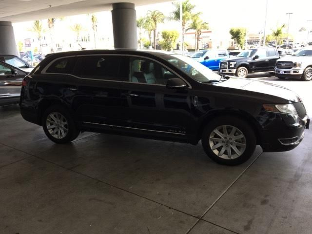 2016 Lincoln MKT 4dr Wgn 3.7L AWD w/Livery Pkg