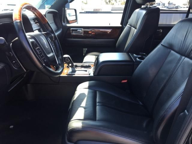 2016 Lincoln Navigator L w/Navigation