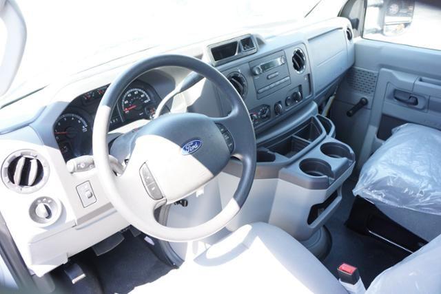 2017 Ford E-Series Cutaway E-350 SRW 138 WB