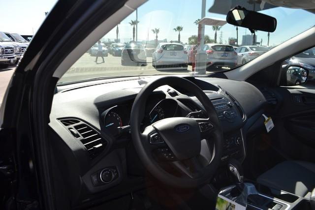 2017 Ford Escape S FWD