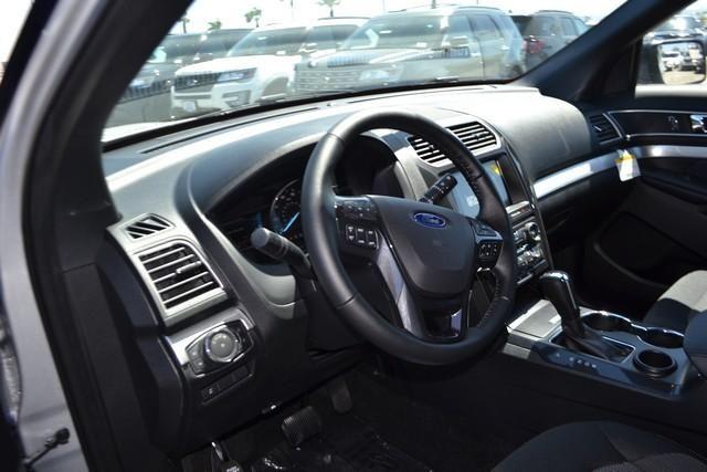 2017 Ford Explorer XLT FWD