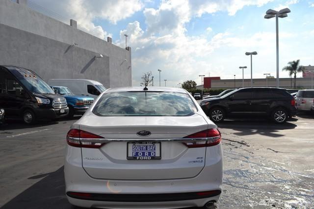 2017 Ford Fusion HYBRID Hybrid SE FWD