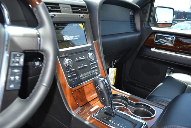2017 Lincoln Navigator 4x2 Select