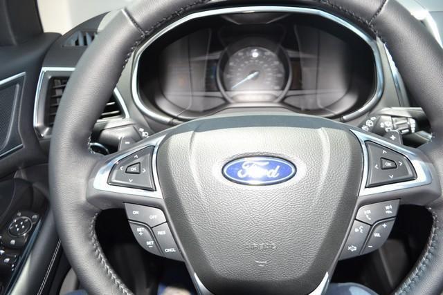 2018 Ford Edge Titanium FWD