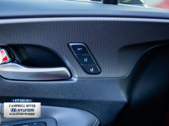 2019 Hyundai Santa Fe 2.0T Ultimate w/Dark Chrome Accent AWD  Dealer Cost Sale!