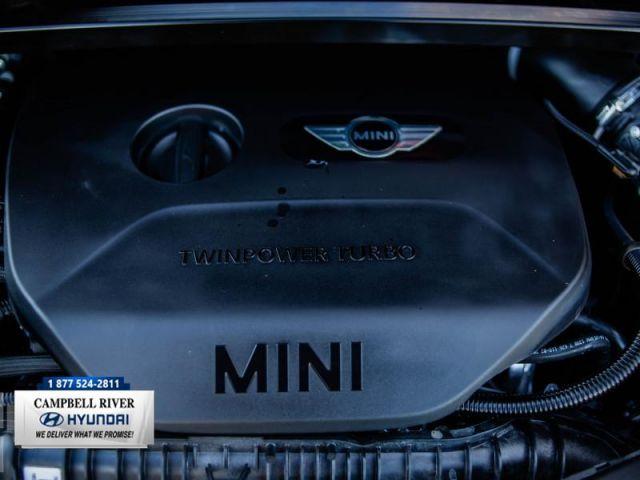 2019 MINI Cooper Countryman S ALL4  Sexy & Sleek!