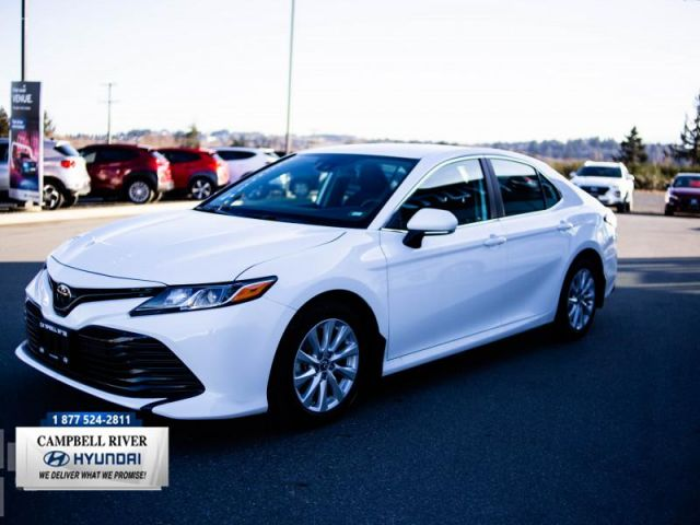 2019 Toyota Camry LE  Next to New!