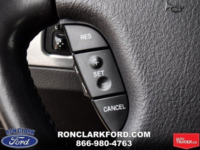 2002 Ford Thunderbird -