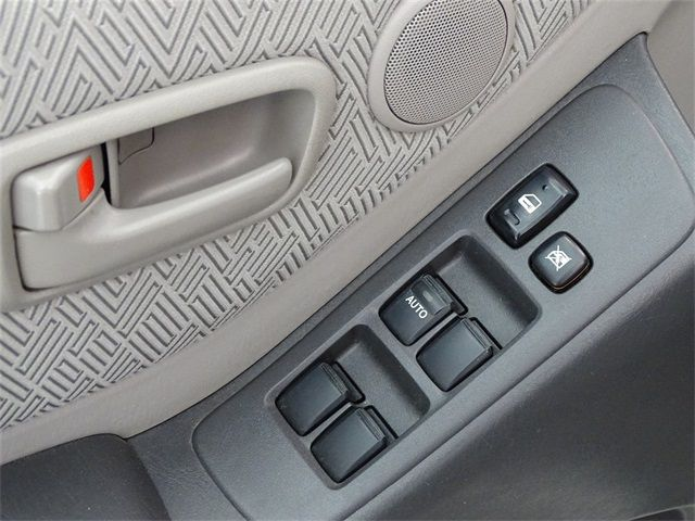 Used 2002 Toyota Highlander V6 near San Antonio | Hill