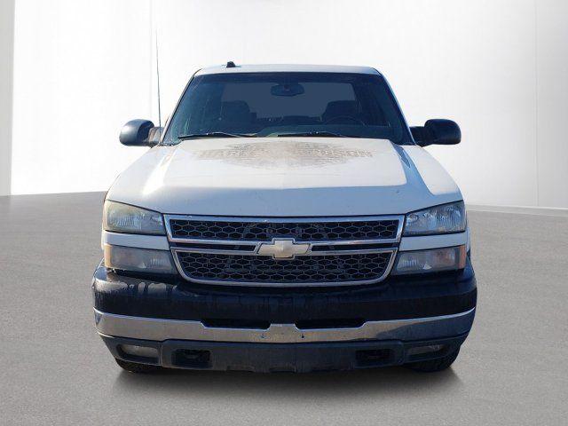 2005 Chevrolet Silverado 2500HD for Sale in Ontario