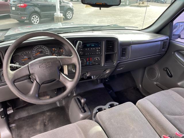 2007 Chevrolet Silverado 1500 Classic 4WD Ext Cab 143.5 LS