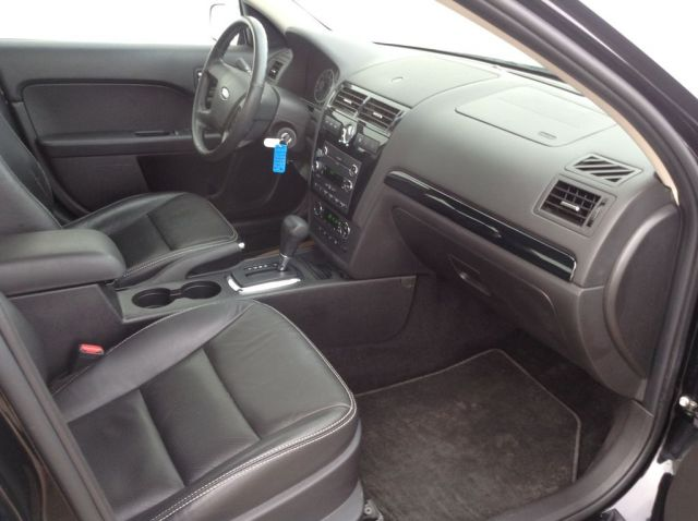 2008 Ford Fusion 4 Door Car