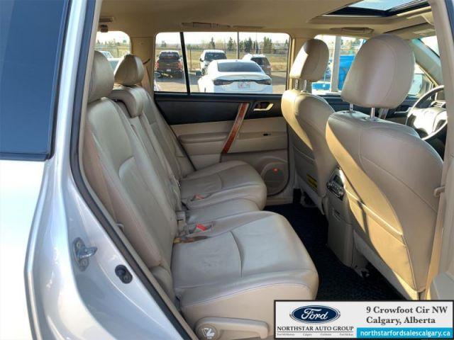 2008 Toyota Highlander Limited  |LEATHER| SUNROOF| AWD|