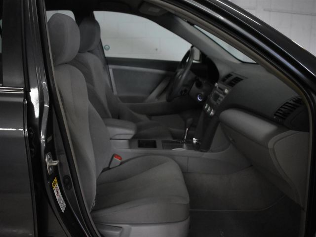 2009 Toyota Camry LE * CRUISE * POWER WINDOWS *