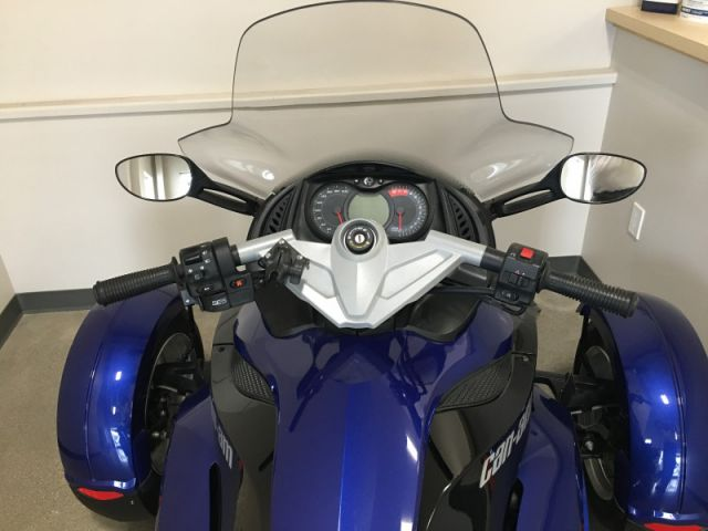 2010 Can-am SPYDER ROADSTER RS  - Low Mileage