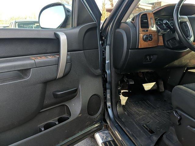 2010 Chevrolet Silverado 1500 4WD Crew Cab 143.5 LT