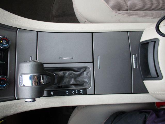2010 Ford Taurus Sedan SEL FWD