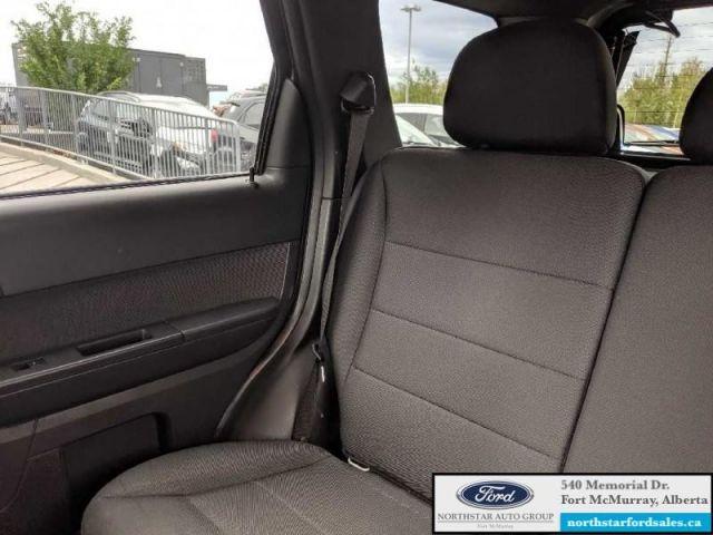 2011 Ford Escape XLT  |3.0L|Engine Block Heater|Low Mileage