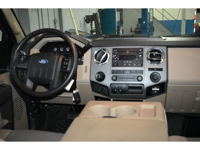 2011 Ford F-250 DIESEL CREW 4X4 with TRAILER BRAKE CONTROL