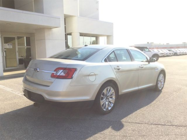 2011 Ford Taurus LIMITED AWD MOON/LEATHER  - Leather Seats