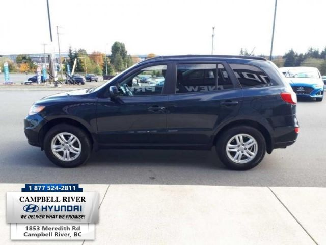 2011 Hyundai Santa Fe GL  -  - Trailer Hitch