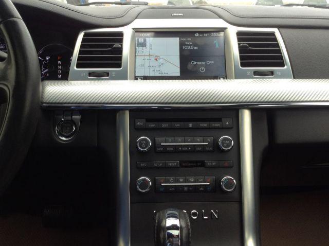 2011 Lincoln MKS 4 Door Car