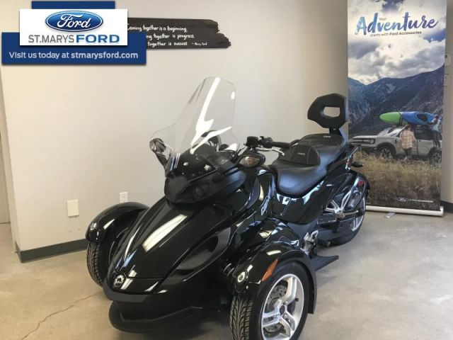 2012 Can-am SPYDER ROADSTER RS    Low Mileage