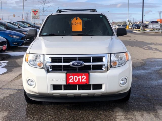 2012 Ford Escape XLT   -Leather Interior- Sunroof-Heated Seats-Remote Start-Blue