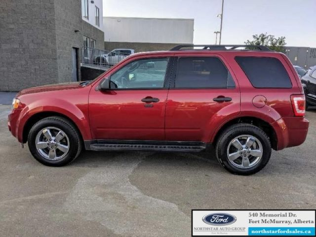 2012 Ford Escape XLT  |3.0L|Rem Start|Moonroof|Canadian Winter Pkg|Low Mileage