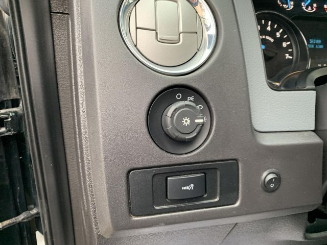 2012 Ford F-150 XLT *One Owner*