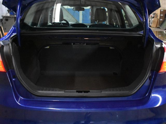 2012 Ford Focus SE * HEATED FRONT SEATS * A/C *