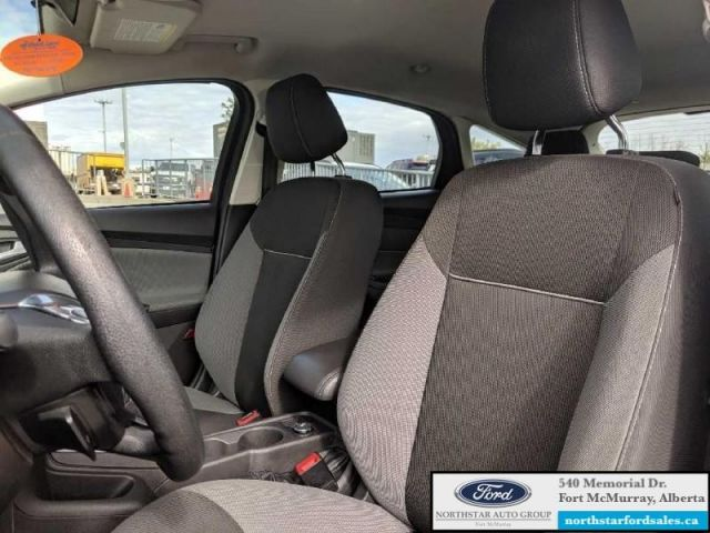 2012 Ford Focus SE Hatch  |2.0L|SE Convenience Group|Sync Pkg|Engine Block Heate