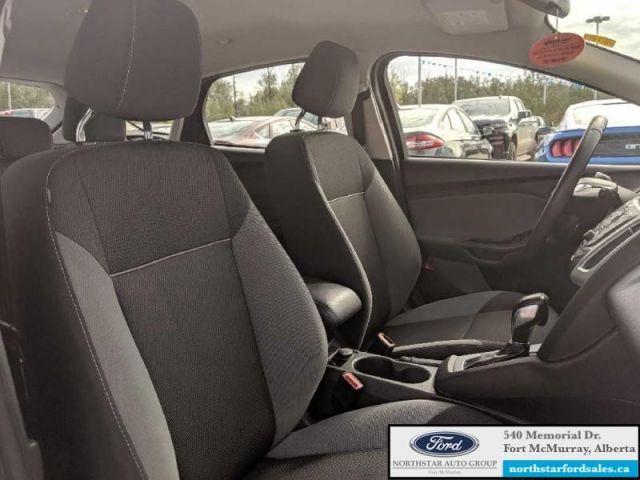2012 Ford Focus SE Hatch  |2.0L|SE Convenience Group|Sync Pkg|Engine Block Heate