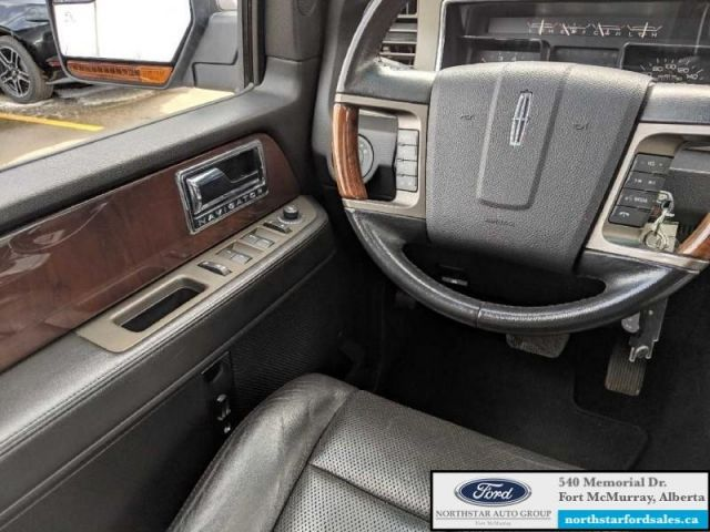 2012 Lincoln Navigator |5.4L|Rem Start|Nav|Moonroof|Rear DVD Entertainment