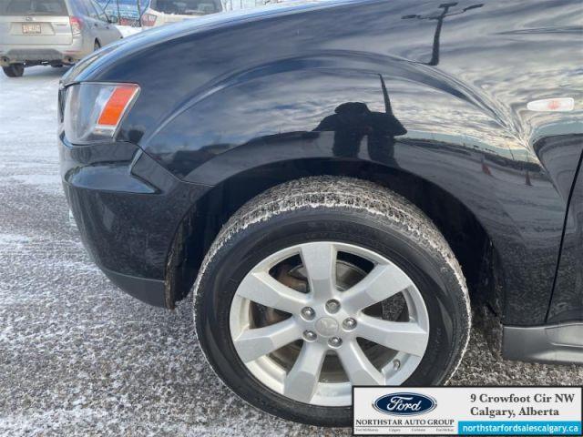 2012 Mitsubishi Outlander ES  |LEATHER| SUNROOF| AWD| - $108 B/W