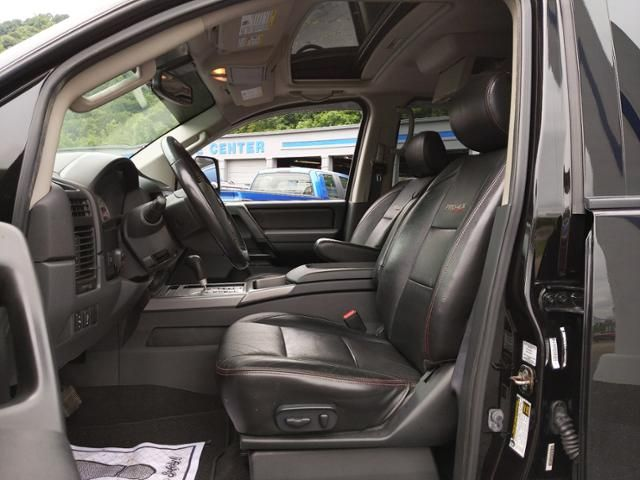2012 Nissan Titan 4WD Crew Cab SWB PRO-4X