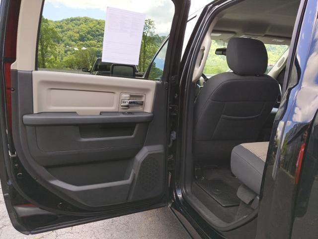 2012 Ram 1500 4WD Crew Cab 140.5 Big Horn