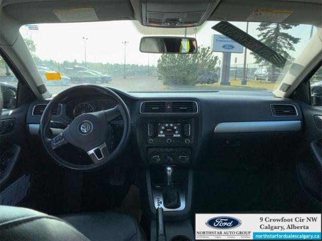 2012 Volkswagen Jetta Highline  |SUNROOF| LEATHER| ONE OWNER|
