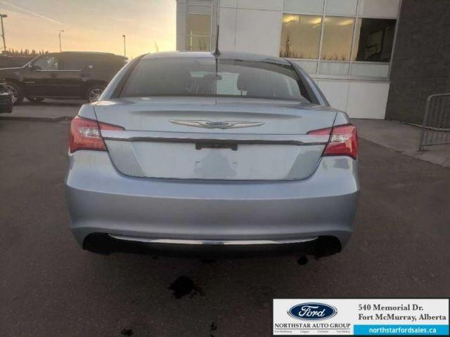 2013 Chrysler 200 LX  |2.4L|Customer Preferred Pkg