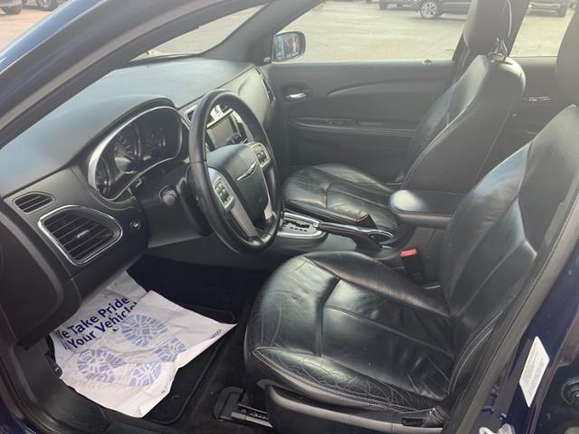 2013 Chrysler 200 4dr Sdn Limited